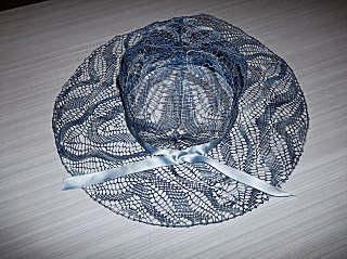 http://petitemain30.free.fr/dentelles/chapeau.jpg